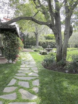 Der Gartenweg Gestalterisches Highlight Mit Praktischem Nutzen